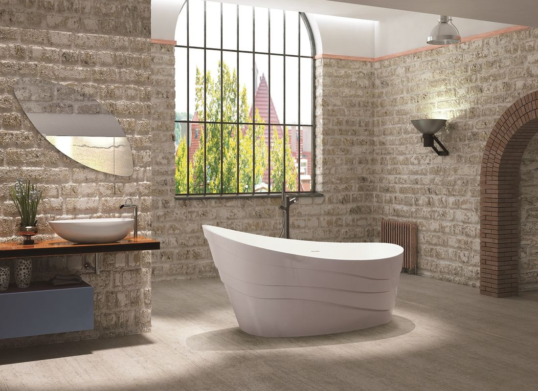 Elegant Look Freestanding Soaking Bathtub Modern Stand Alone Tub